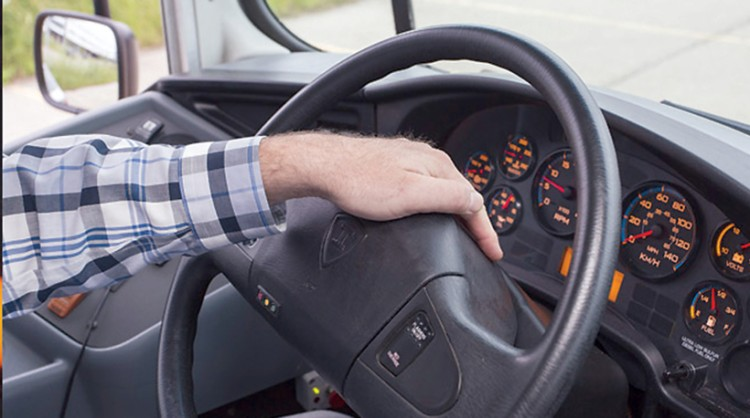 加拿大公司在方向盘上增加酒精检测技术 通过手掌空气进行测试