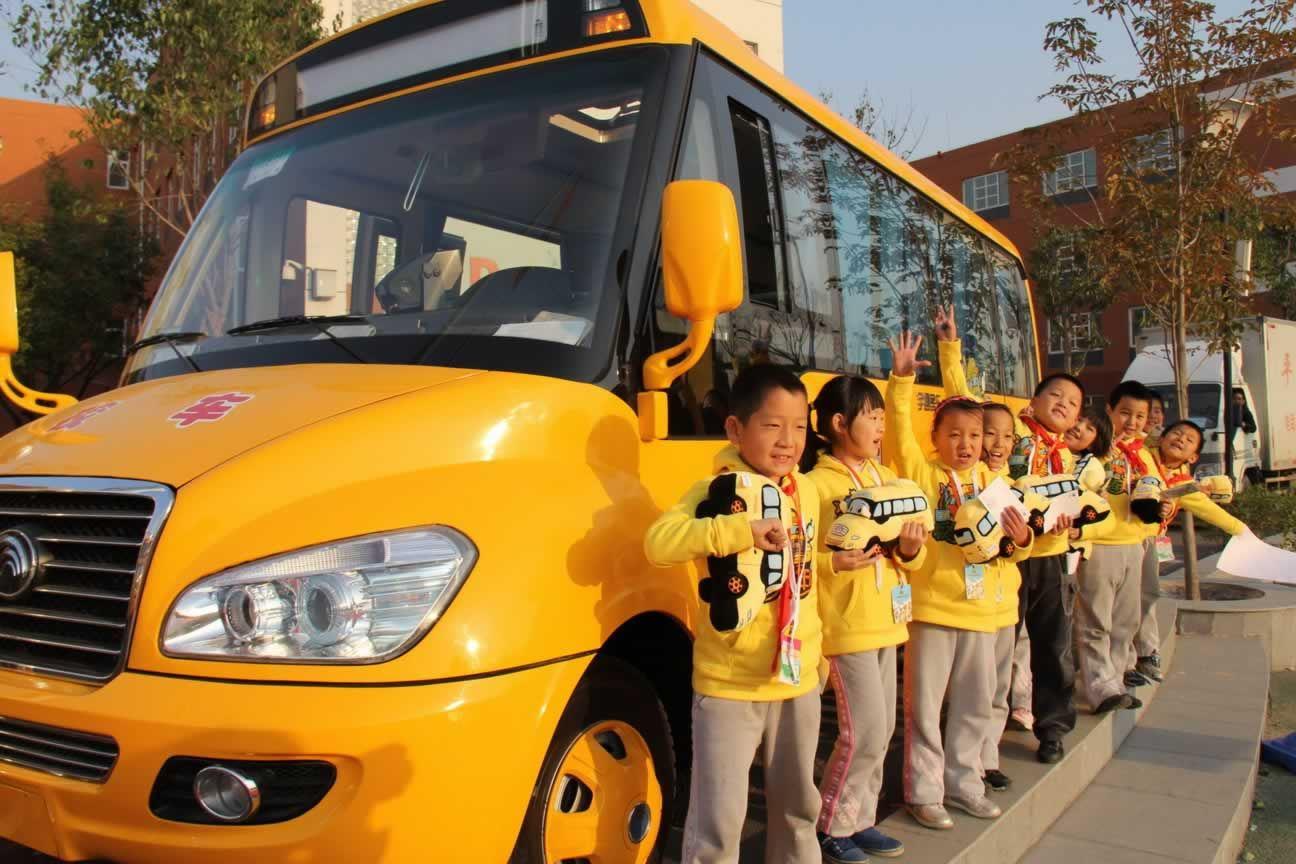 公安部:春运期间将严查校车、农村面包车等重点车辆